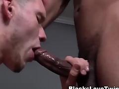 Ebony dude rams amateur white ass