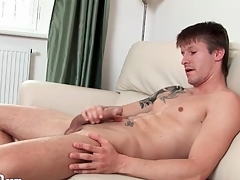 Tattooed muscular man jerks off his slip-up
