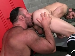 Thick curtsey adjacent to licks and fucks a guy from ruin